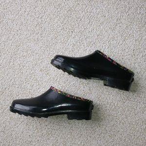 SakROOTS Rain Shoes